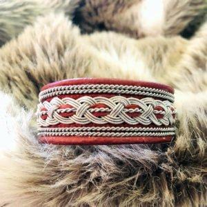 armband-noel-smycke-tenntråd-koppartråd-läder-slöjdmaterial