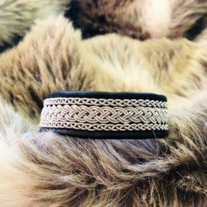 armband-ronja-smycke-tenntråd-koppartråd-läder-slöjdmaterial